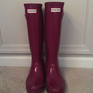 Hunter Original Gloss Tall Boot in Bright Plum